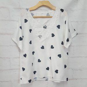 Tops - 3/$30 White  Short Sleeve Blouse Hearts Sz XL